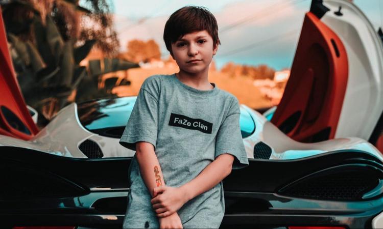 Twitch забанили канал 12-ти летнего игрока FaZe Clan