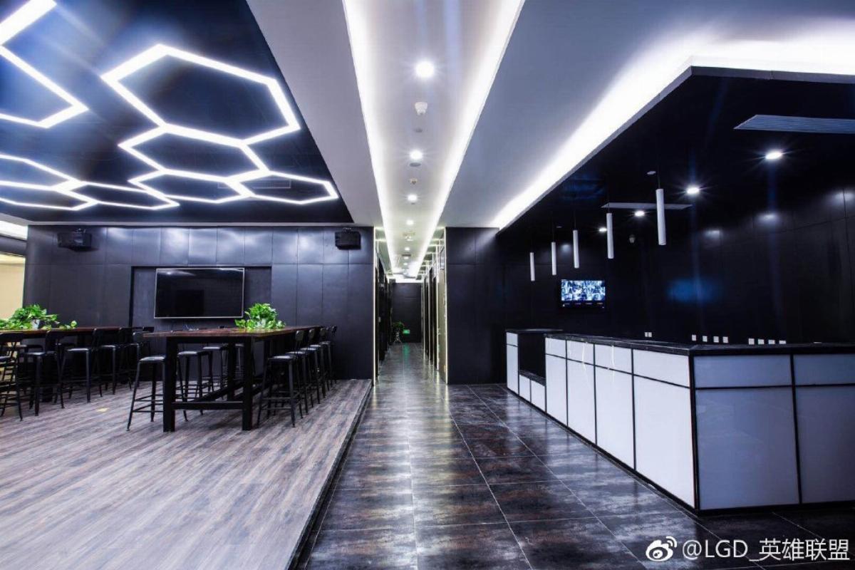 LGD Gaming открыли интернет-кафе